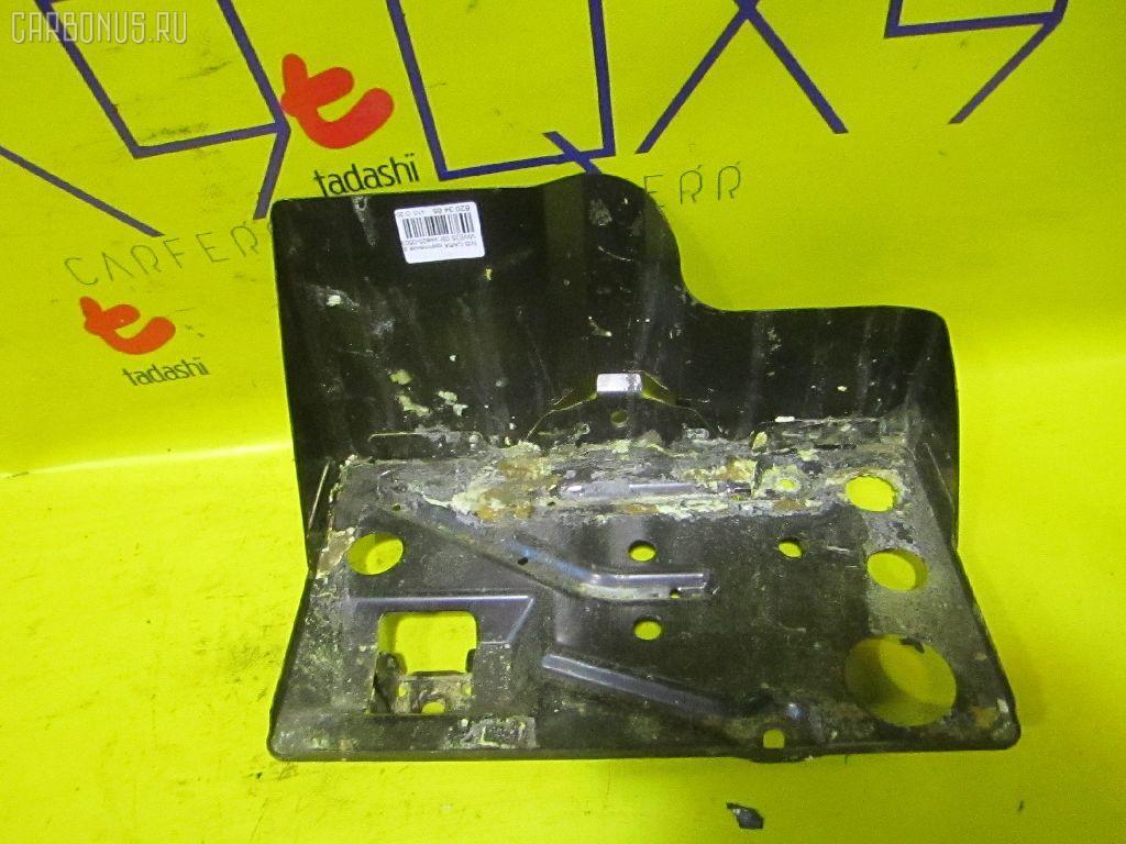 Крепление аккумулятора NISSAN CARAVAN VWE25 Фото 2