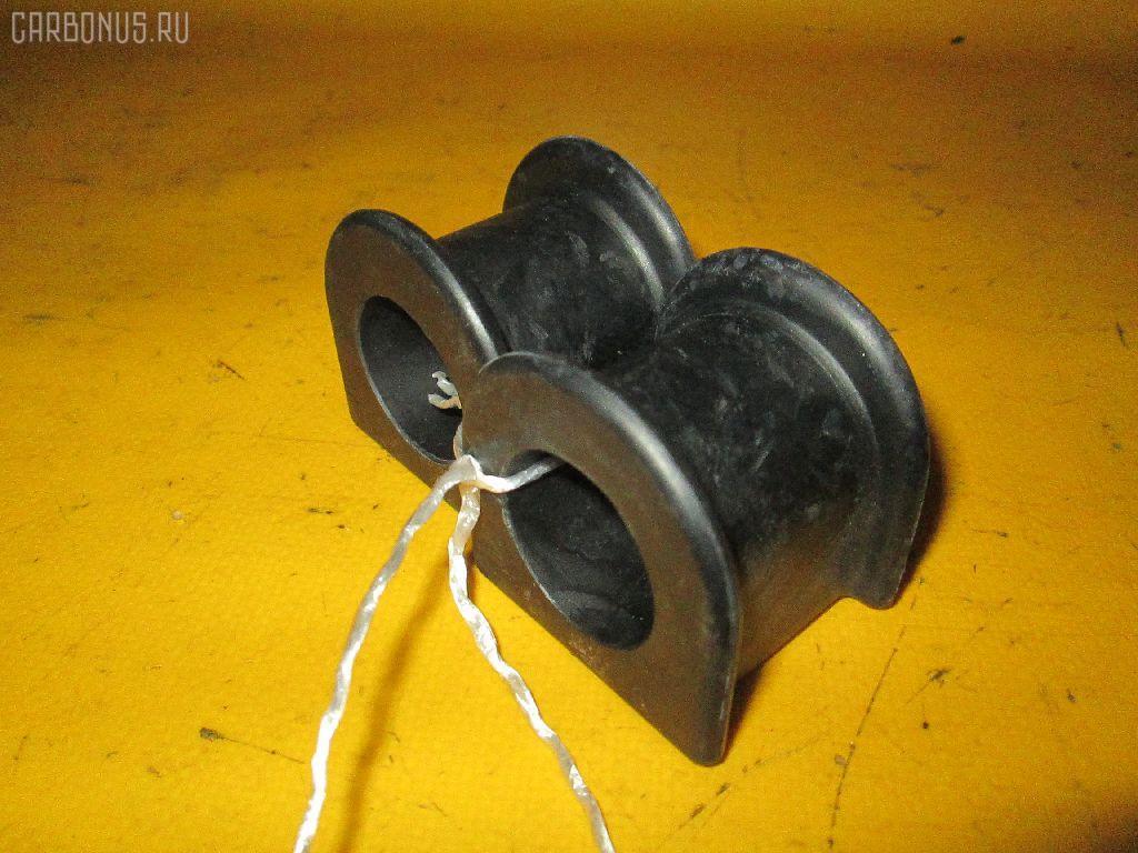 Втулка стабилизатора TOYOTA LITE ACE NOAH SR50G. Фото 2