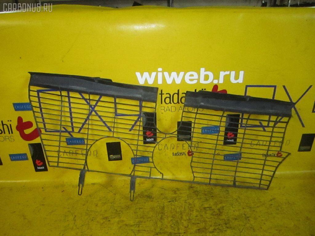 Решетка радиатора MERCEDES-BENZ E-CLASS STATION WAGON S210.265 Фото 3