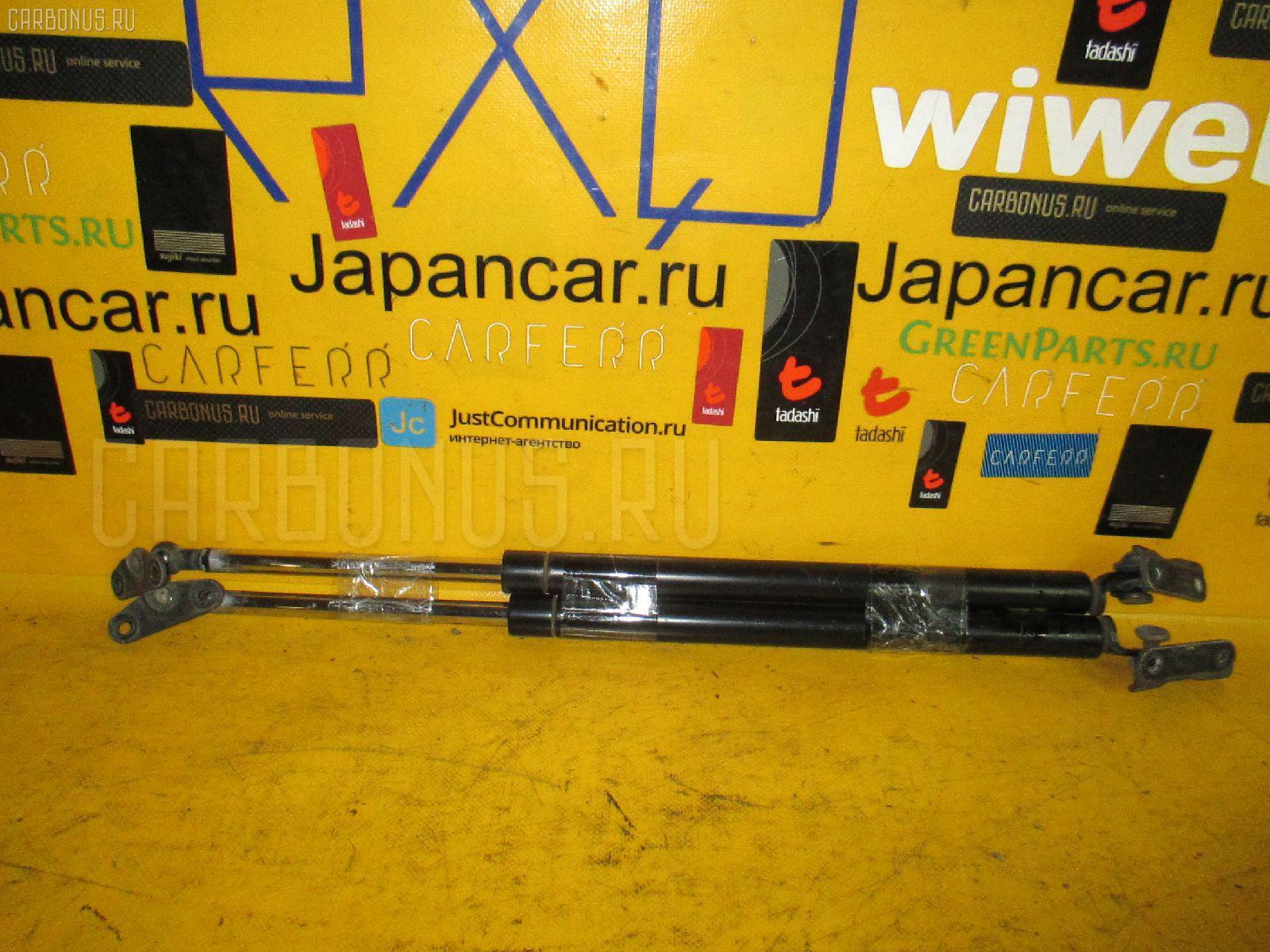 Амортизатор двери TOYOTA HARRIER MCU10W Фото 1
