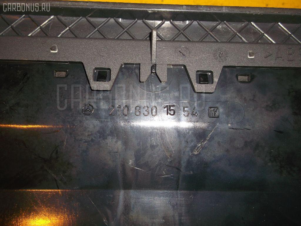Дефлектор MERCEDES-BENZ E-CLASS STATION WAGON S210.270 Фото 2