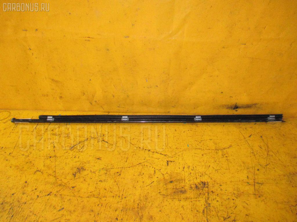 Молдинг на дверь MERCEDES-BENZ E-CLASS W210.072 Фото 2