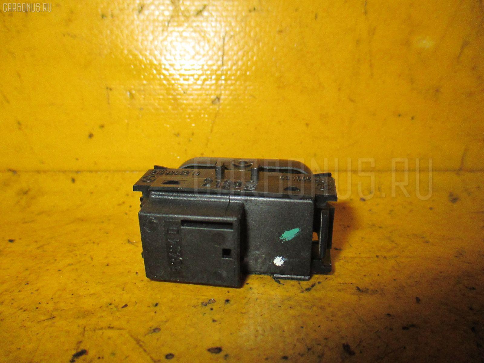 Блок упр-я стеклоподъемниками MERCEDES-BENZ E-CLASS W210.070 Фото 1