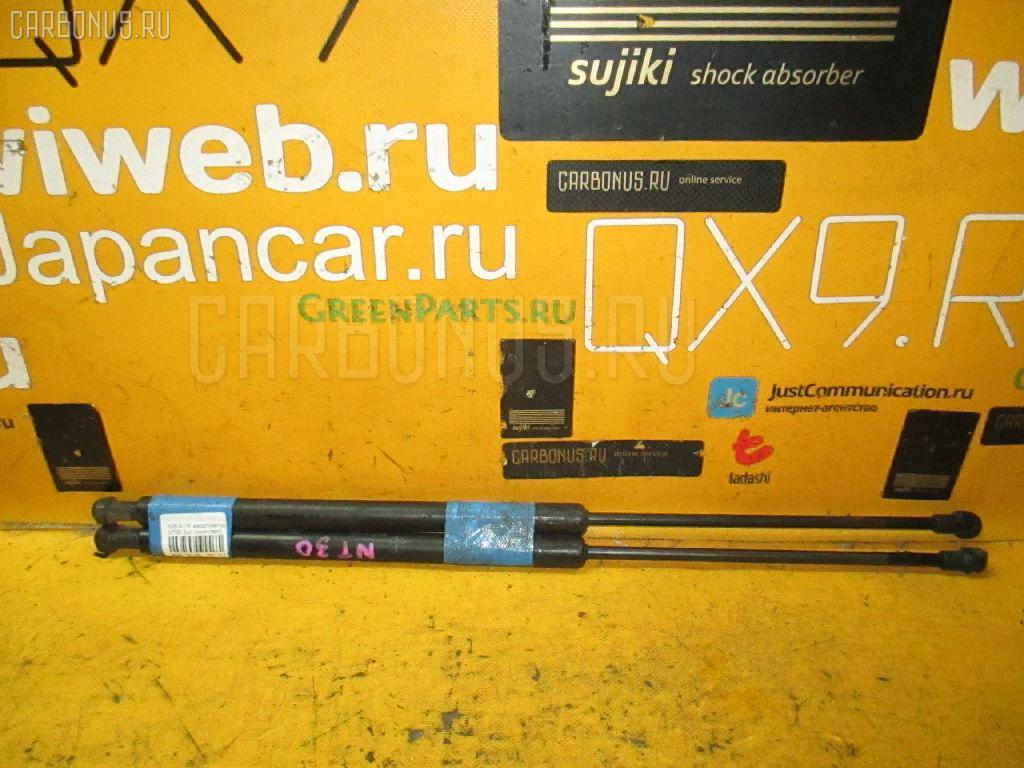 Амортизатор двери NISSAN X-TRAIL NT30. Фото 8