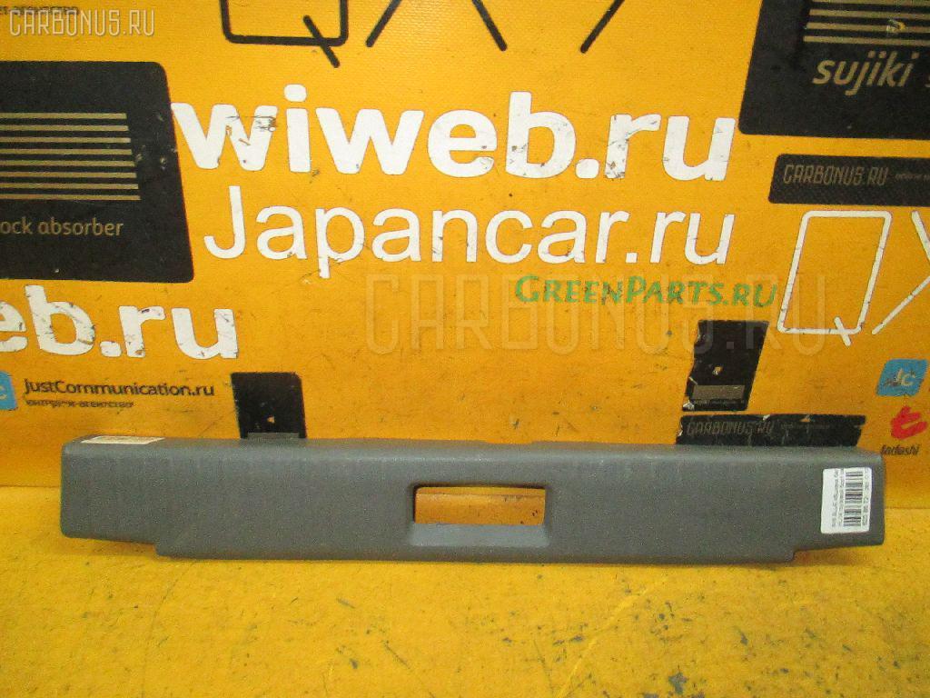 Обшивка багажника NISSAN BLUEBIRD HU14 Фото 1