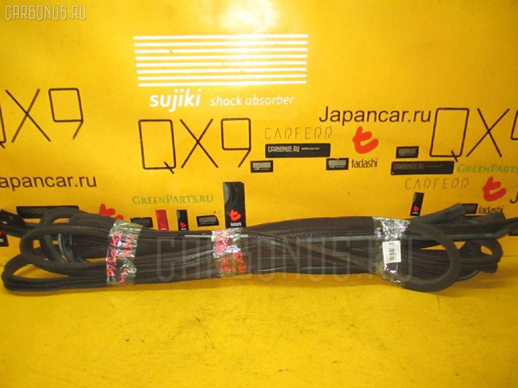 Уплотнение двери TOYOTA MARK II GX81 Фото 1
