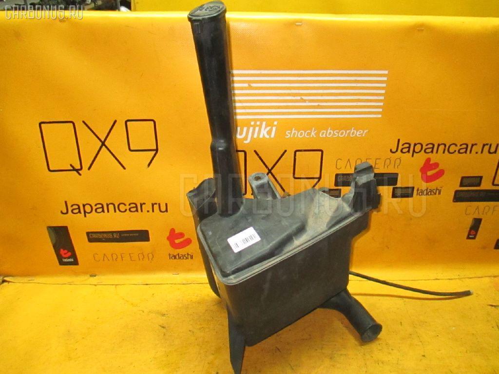 Бачок омывателя TOYOTA MARK II BLIT JZX110W. Фото 2