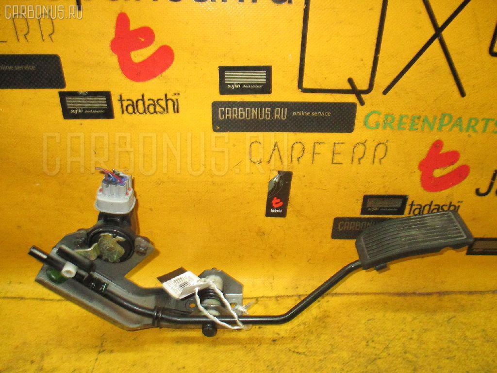Педаль подачи топлива NISSAN LIBERTY RM12 QR20DE. Фото 5
