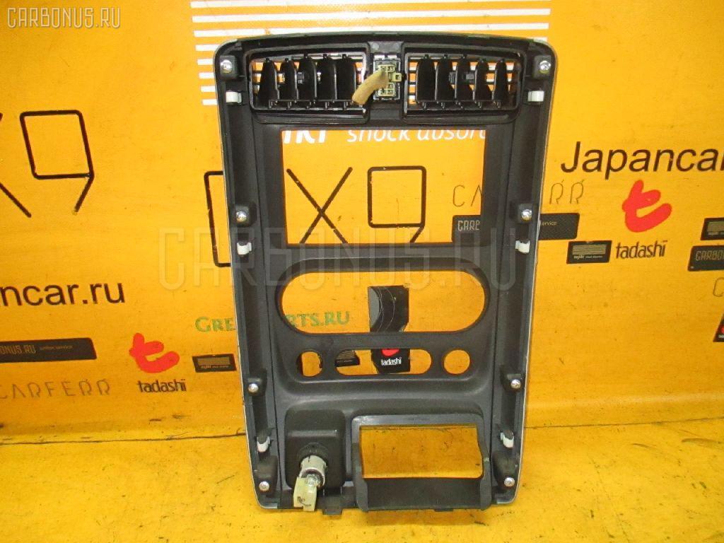 Консоль магнитофона SUZUKI JIMNY JB23W Фото 2