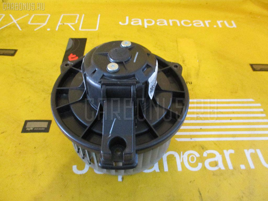 Мотор печки Toyota Avensis wagon AZT250W Фото 1