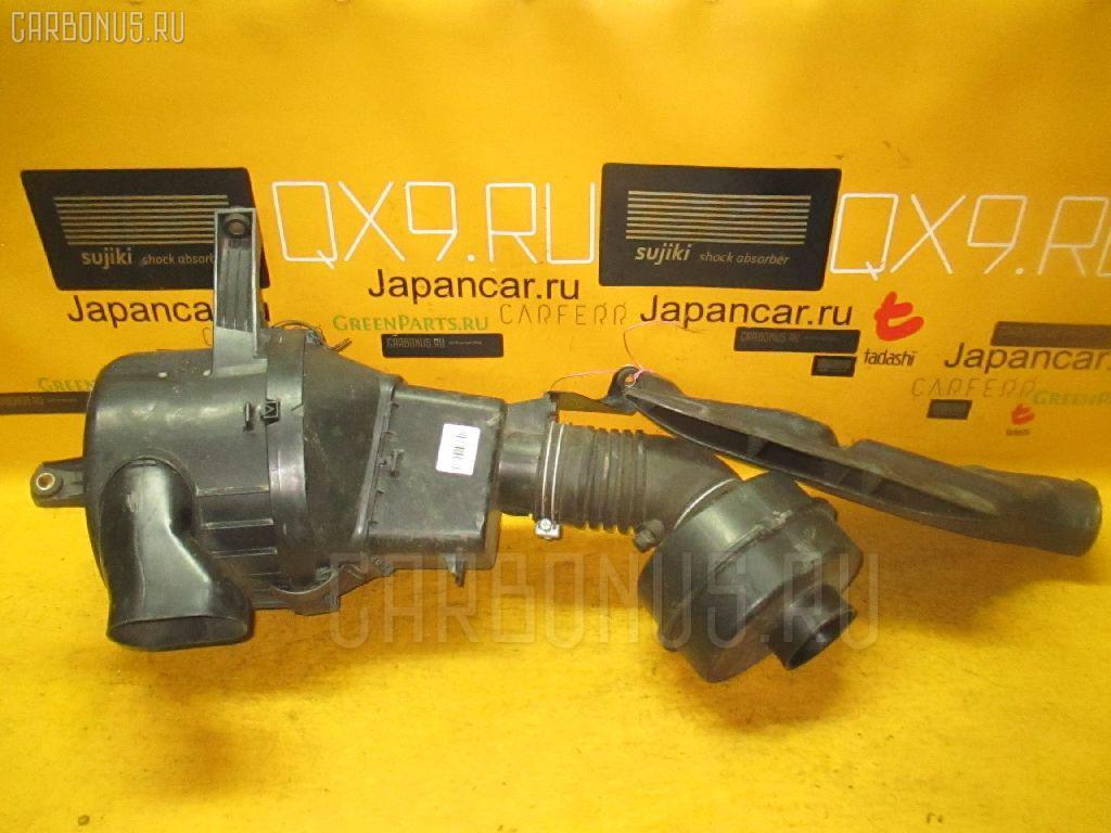 Корпус воздушного фильтра Toyota Crown JZS141 1JZ-GE Фото 1