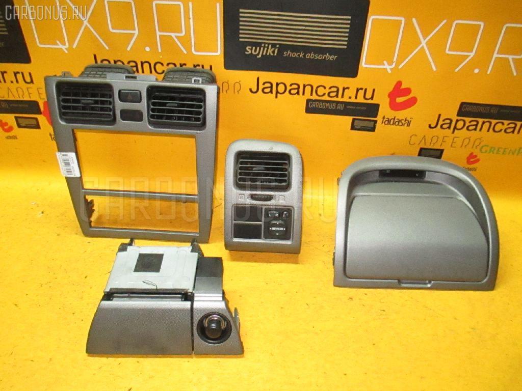 Консоль магнитофона Toyota Caldina ST215W Фото 1