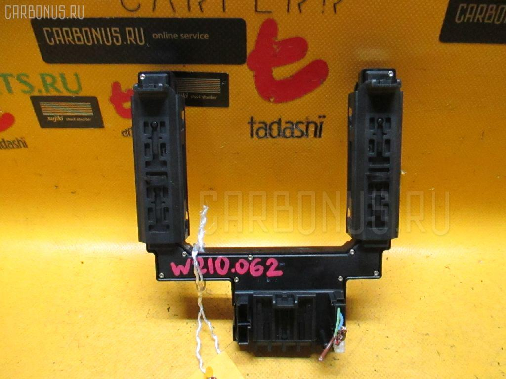 Блок упр-я стеклоподъемниками MERCEDES-BENZ E-CLASS W210.062 Фото 3