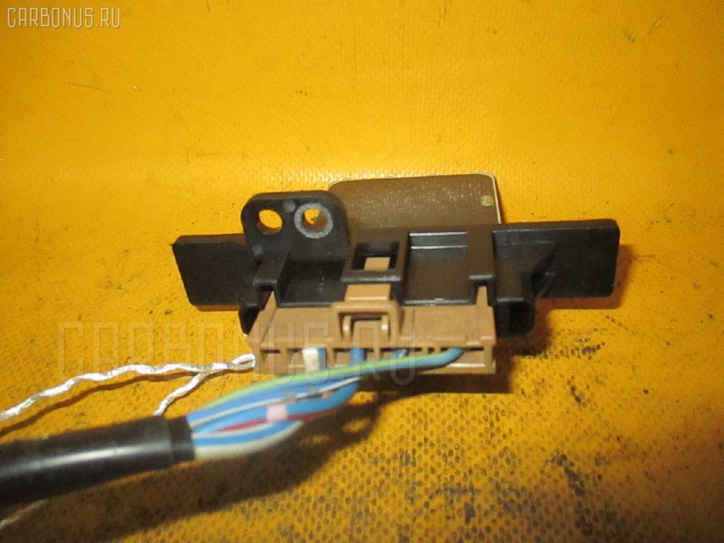 Регулятор скорости мотора отопителя NISSAN AVENIR VW11 QR18DE Фото 1