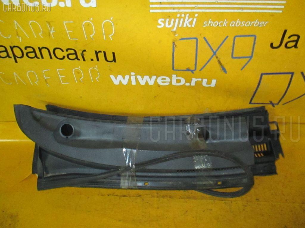 Решетка под лобовое стекло Toyota Ist NCP61 Фото 1
