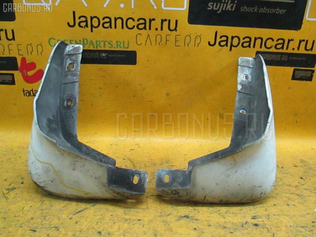 Брызговик Honda Stream RN1 Фото 1