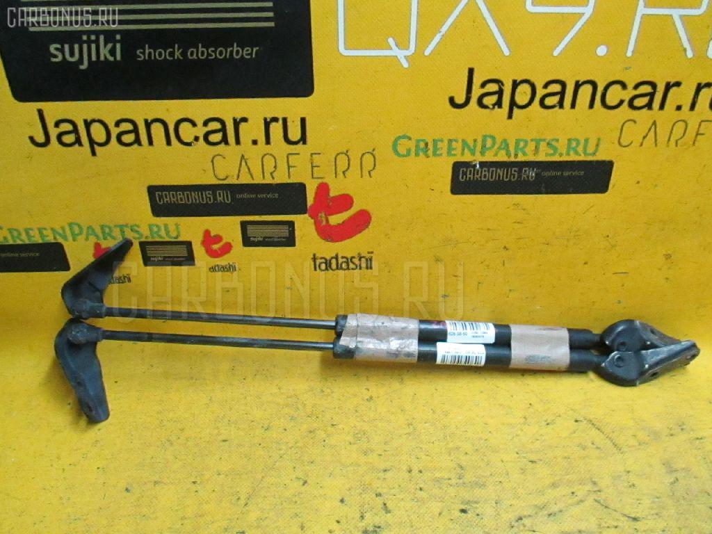 Амортизатор двери Toyota Wish ZNE10G Фото 1