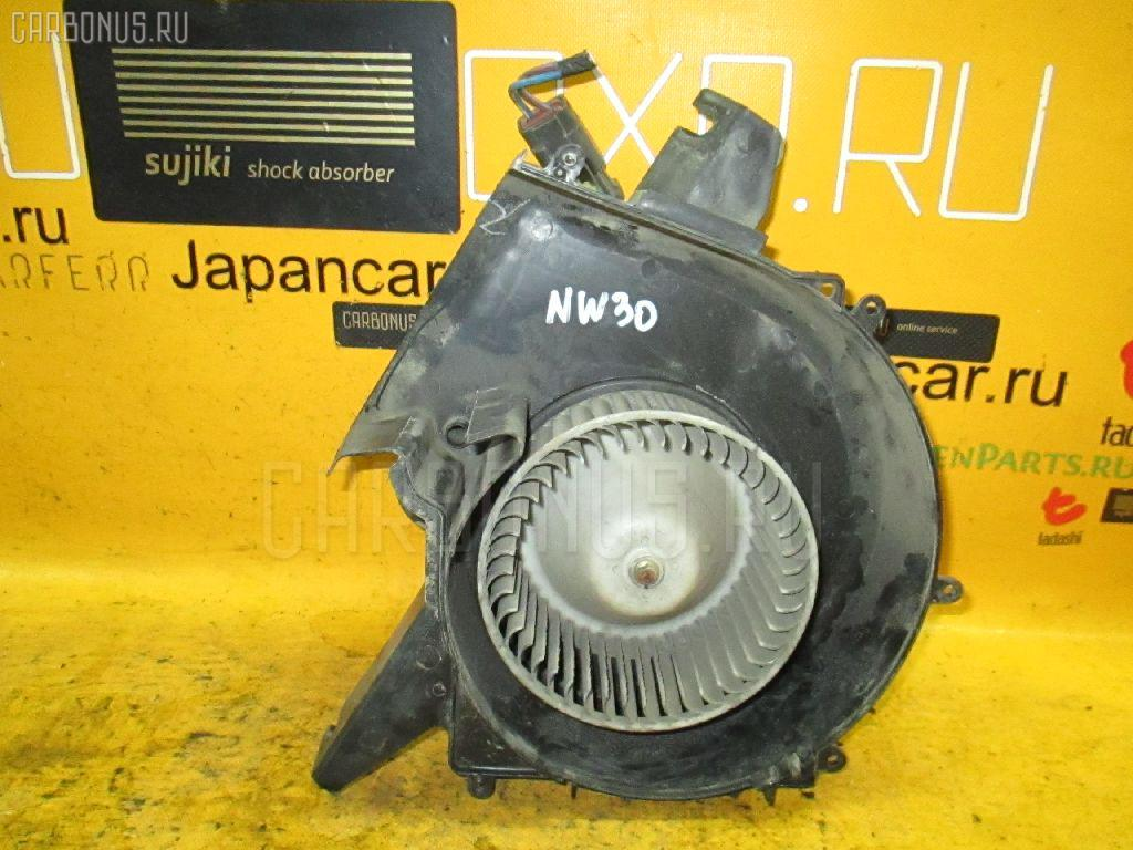 Мотор печки NISSAN LARGO NW30. Фото 10