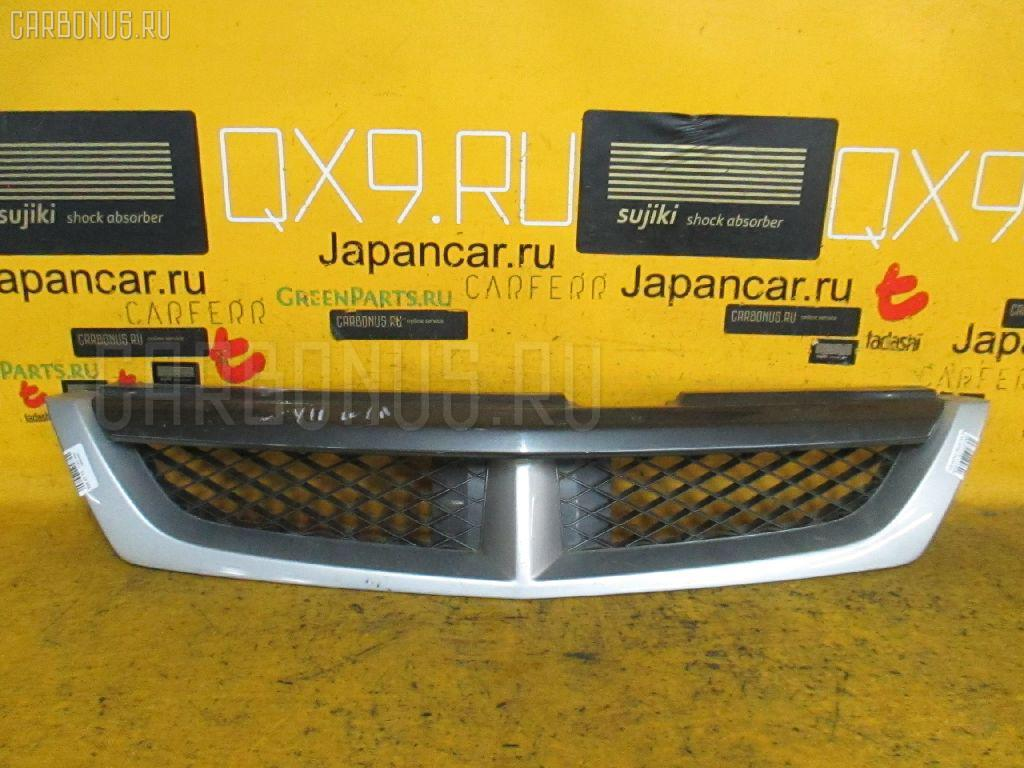 Решетка радиатора Nissan Wingroad WHNY11 Фото 1