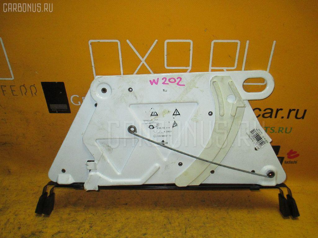 Знак аварийной остановки MERCEDES-BENZ C-CLASS W202.020. Фото 3