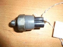Датчик давления масла TOYOTA CROWN JZS151 1JZ-GE