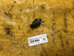 Датчик давления масла Toyota Probox NCP51V 1NZ-FE 83530-28020