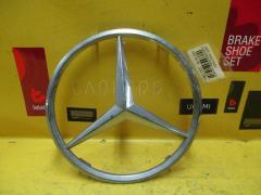 Эмблема на Mercedes-Benz