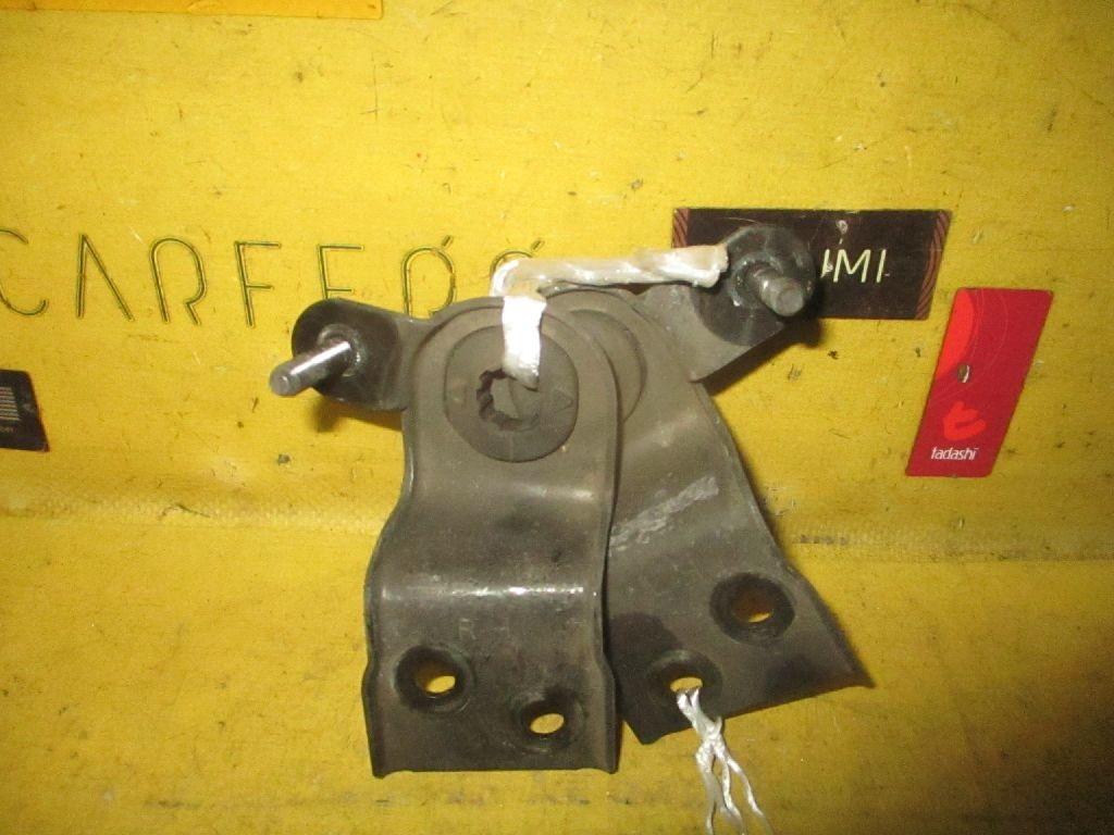 Крепление радиатора на Mazda Familia S-Wagon BJ5W Фото 1