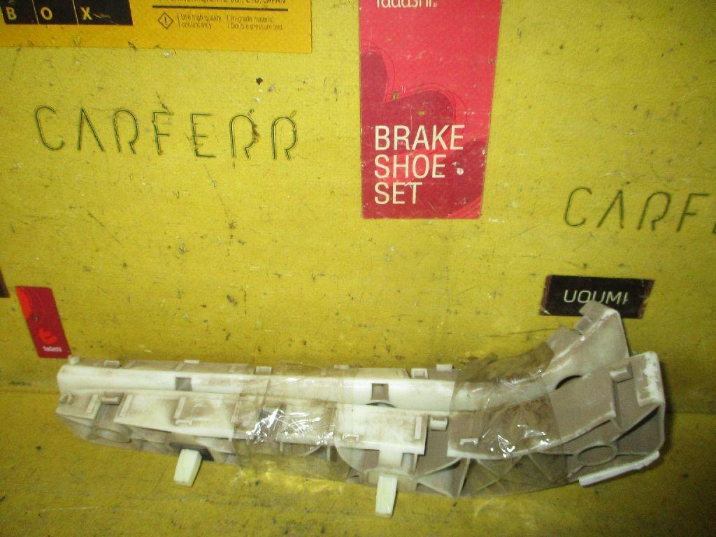 Крепление бампера на Nissan Tiida C11 Фото 1
