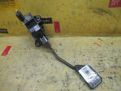 Педаль подачи топлива на Toyota Passo KGC30 1KR-FE
