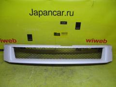 Решетка радиатора на Toyota Voxy AZR60G 08423-28240
