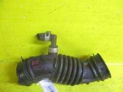 Патрубок воздушн.фильтра на Nissan Note E11 HR15DE