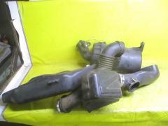 Корпус воздушного фильтра на Toyota Grand Hiace VCH16W 5VZ-FE