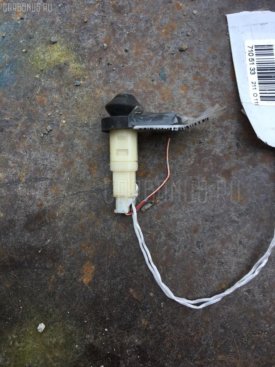 Выключатель концевой TOYOTA CARINA AT211 Фото 1