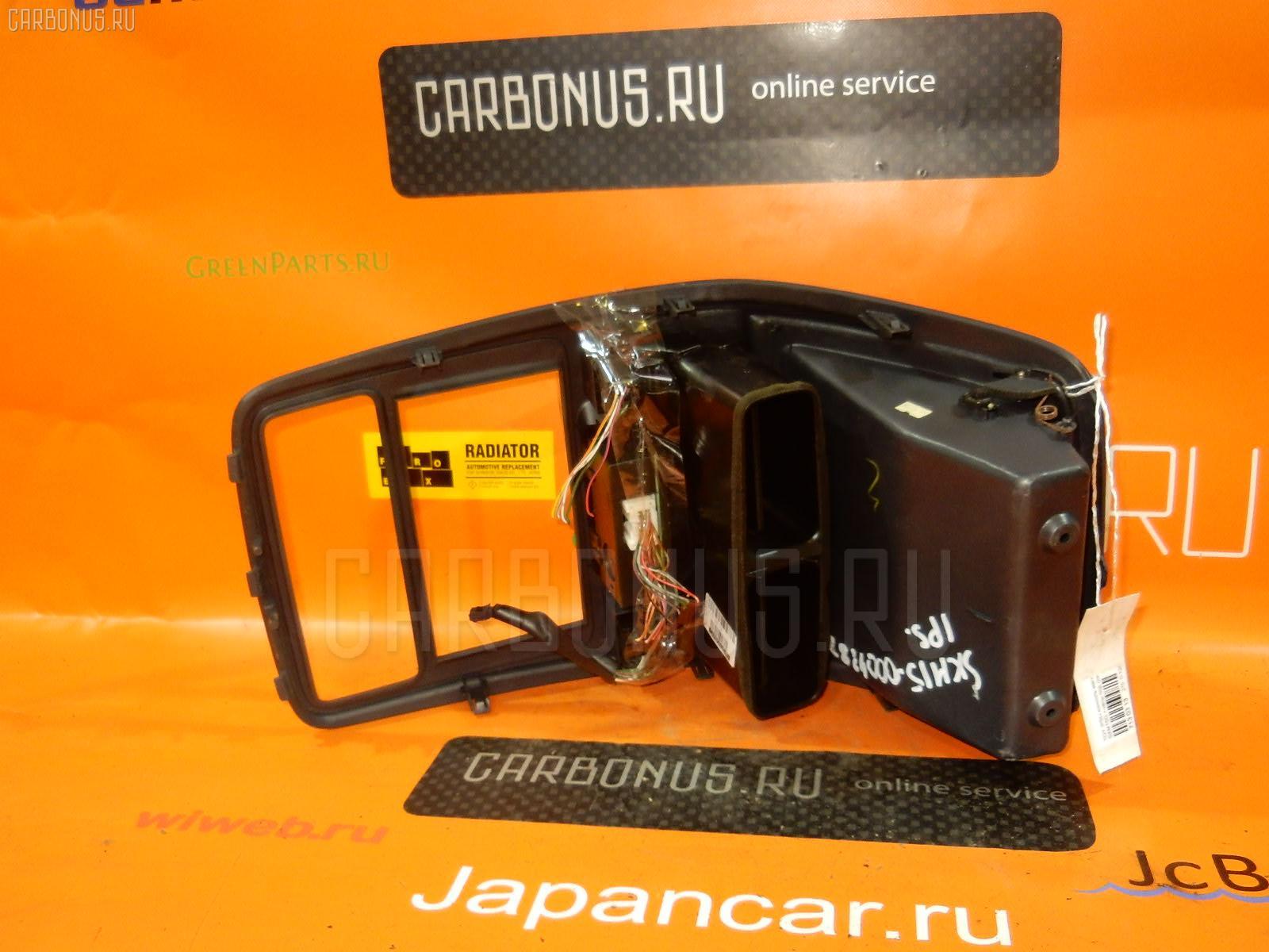 Консоль магнитофона TOYOTA IPSUM SXM15G Фото 2