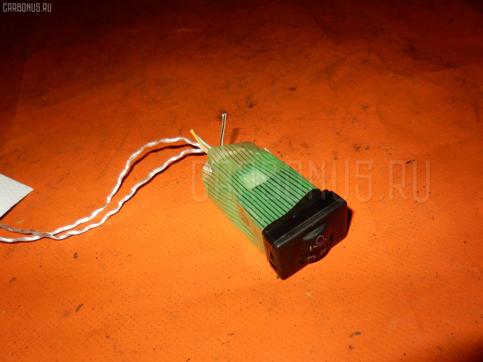 Кнопка Toyota Ractis NCP105 Фото 1