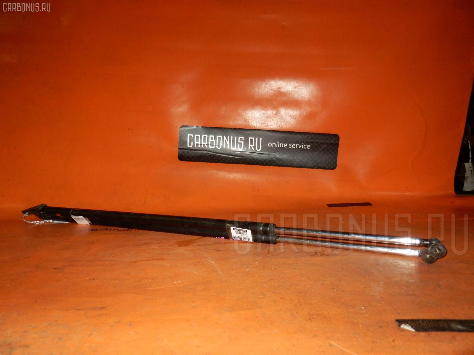 Амортизатор двери TOYOTA TOWN ACE CR31G Фото 1