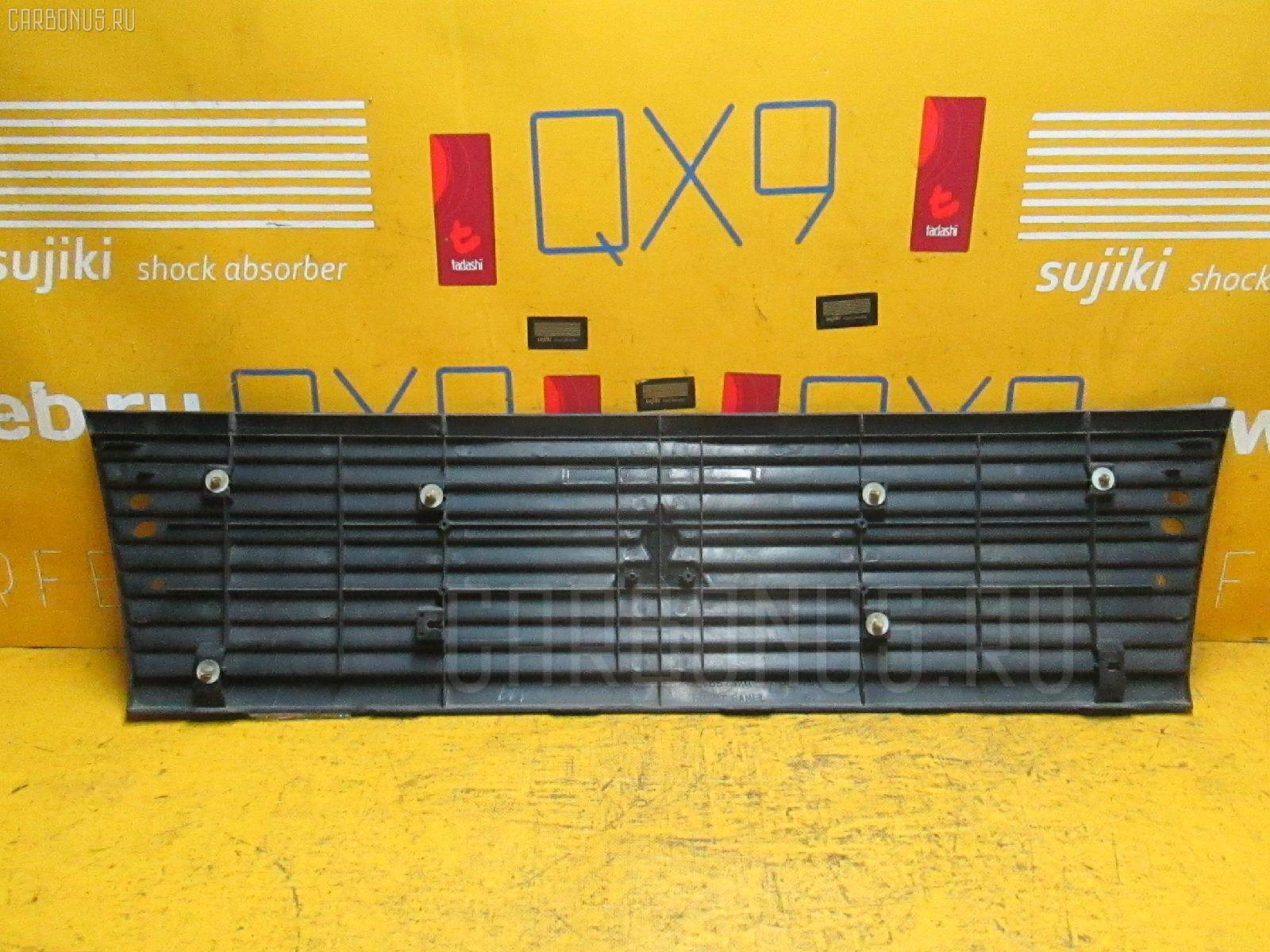 Решетка радиатора Mitsubishi Town box U62W Фото 1