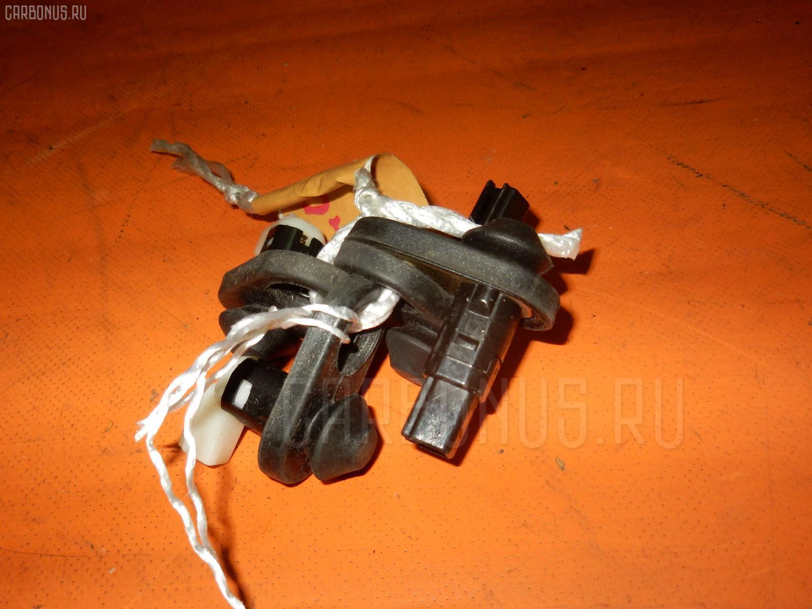 Выключатель концевой TOYOTA PASSO KGC10 1KRFE Фото 1