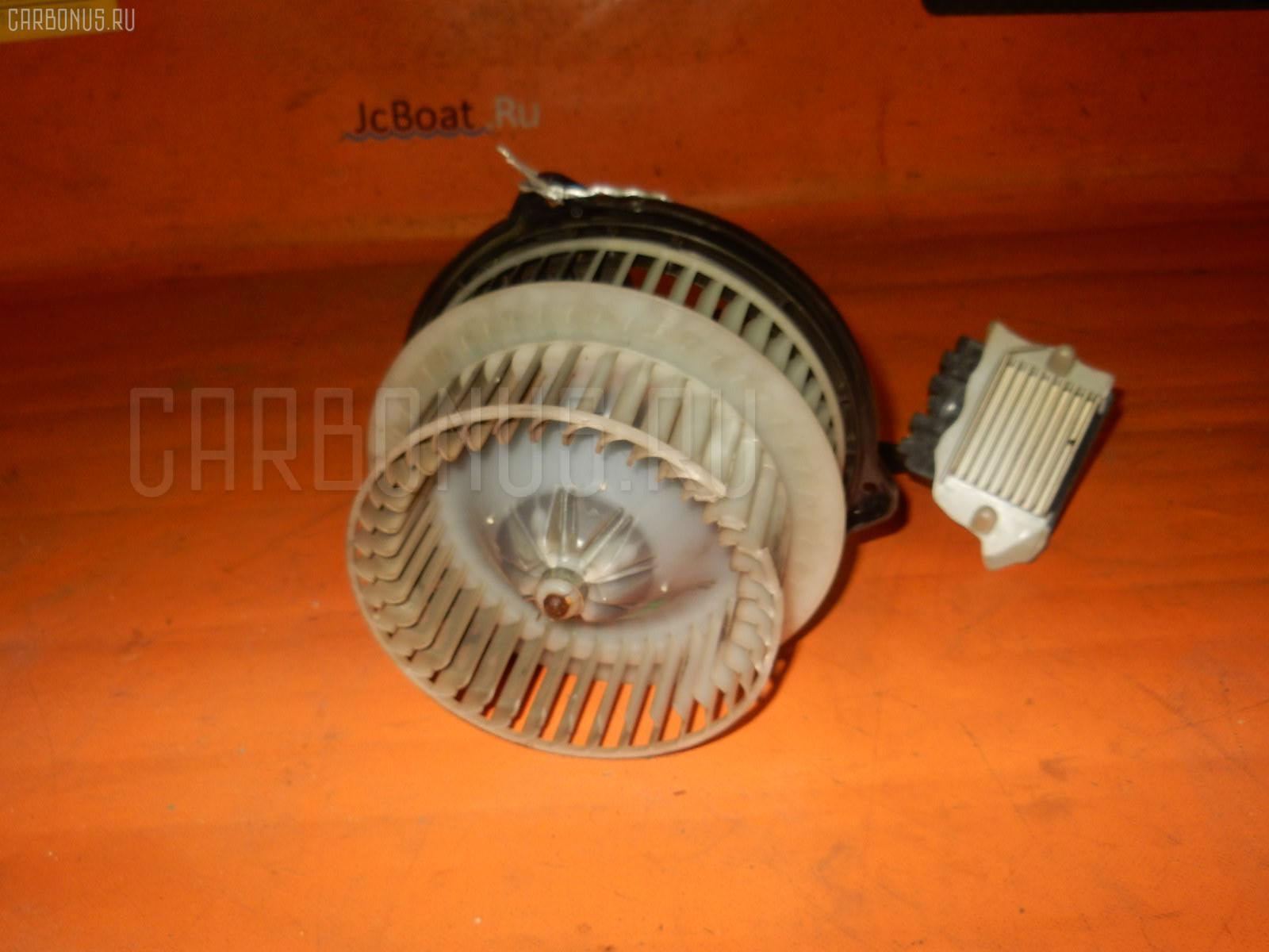 Мотор печки TOYOTA PRIUS NHW20. Фото 10