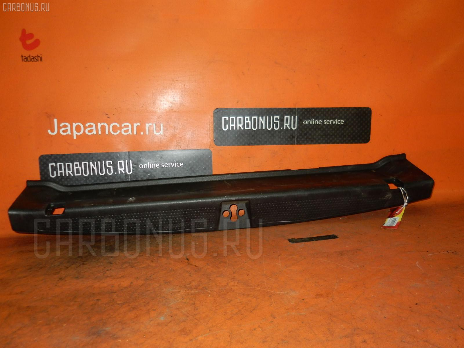 Обшивка багажника HONDA STREAM RN1 Фото 1