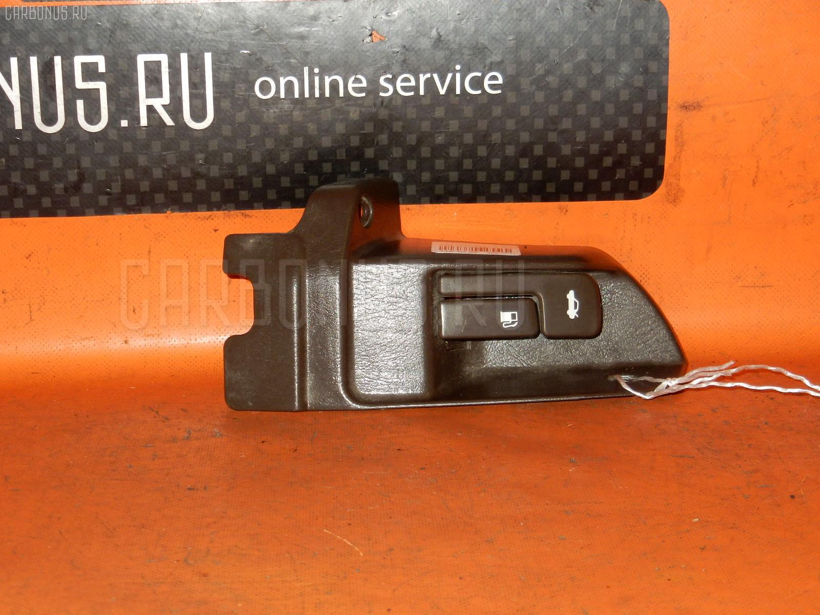 Ручка открывания багажника TOYOTA MARK II GX81 Фото 2