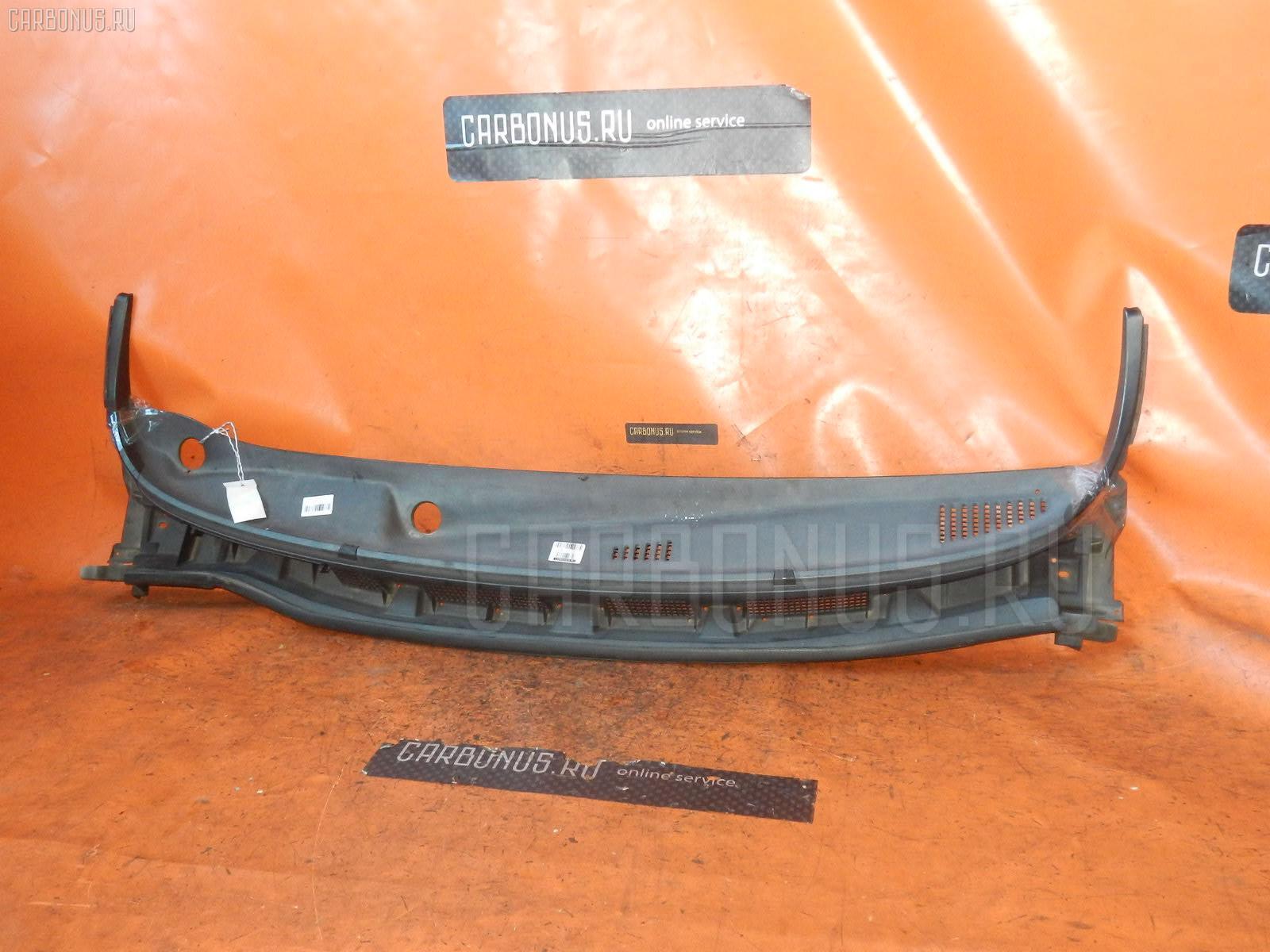 Решетка под лобовое стекло NISSAN NOTE E11. Фото 5