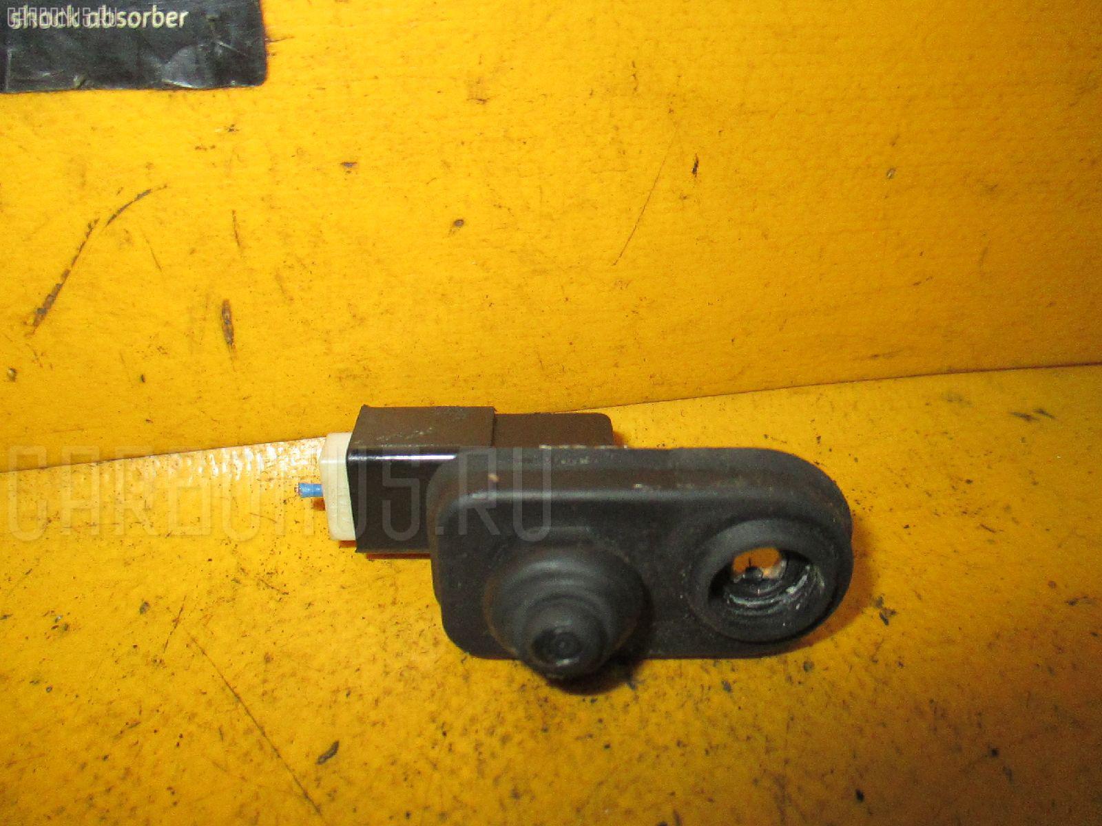 Выключатель концевой Mitsubishi Lancer cedia wagon CS5W 4G93 Фото 1