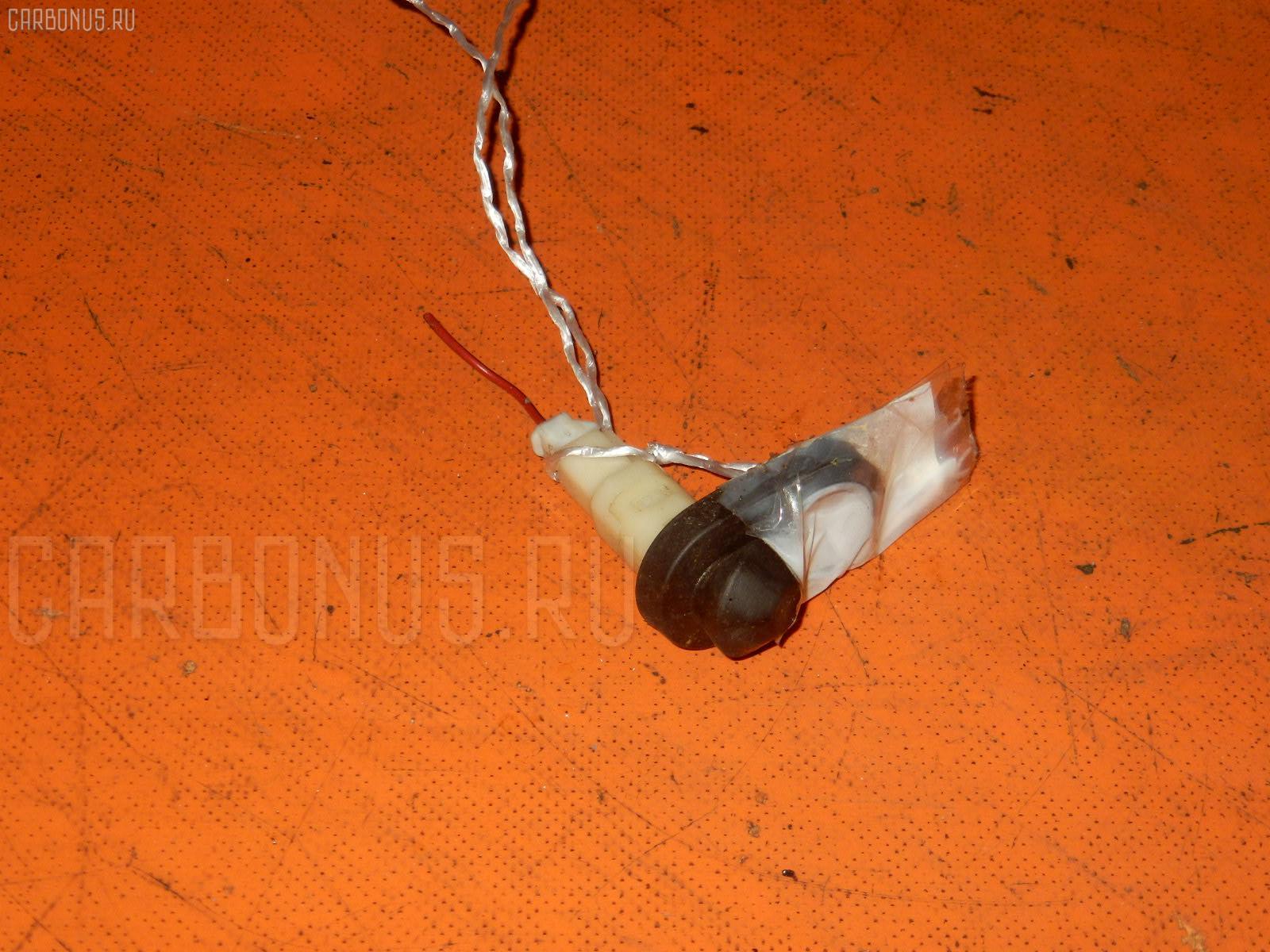 Выключатель концевой TOYOTA NADIA SXN10 3S-FE Фото 1