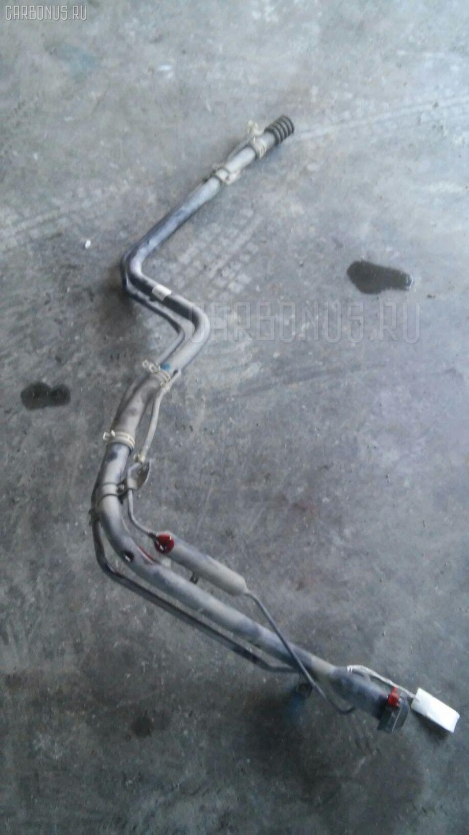 Заливная горловина топливного бака HONDA FIT GD1 L13A Фото 1