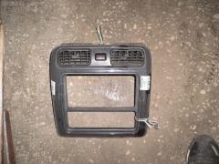 Консоль магнитофона TOYOTA GRAND HIACE VCH10W Фото 1
