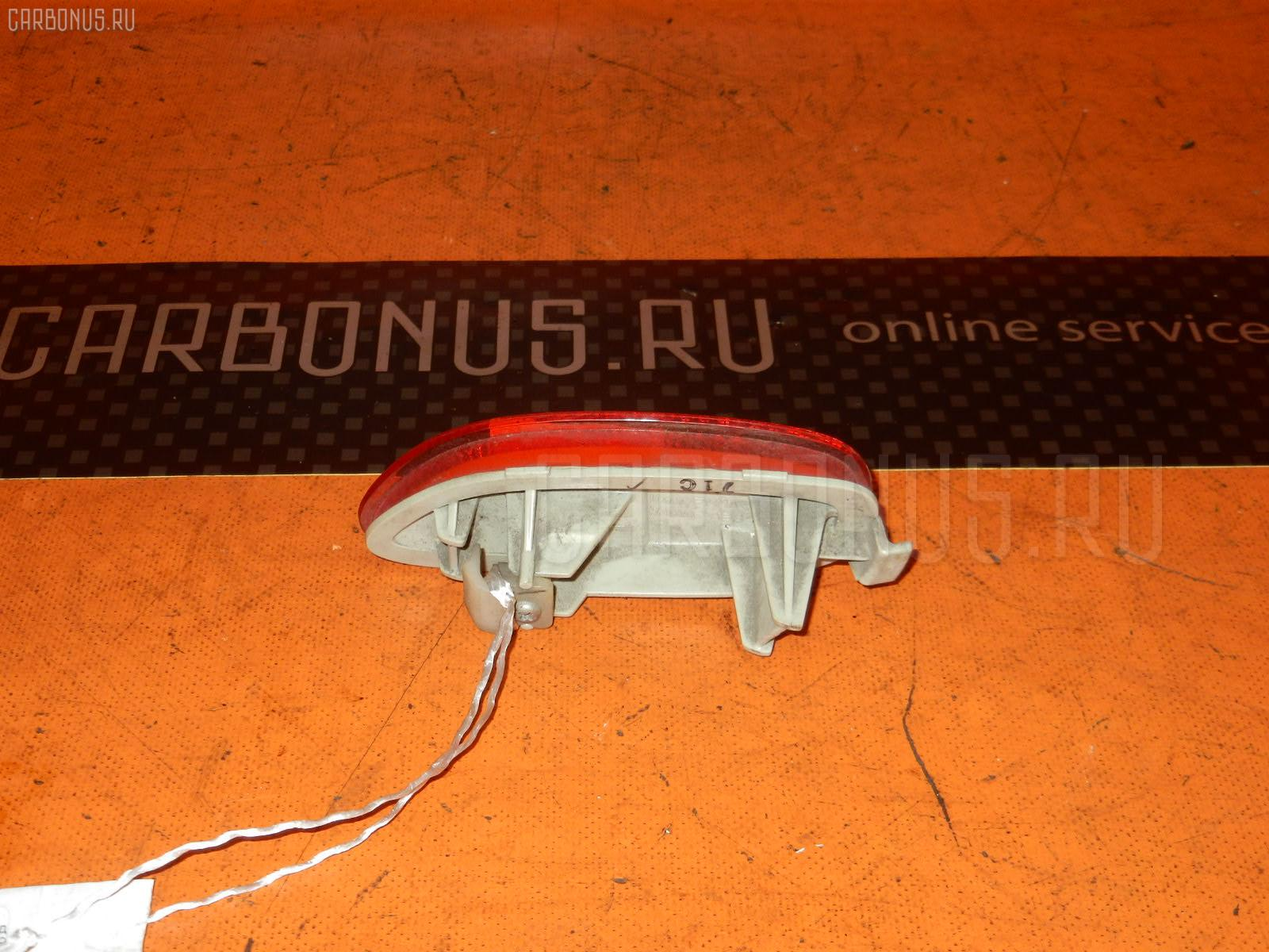 Катафот заднего бампера NISSAN WINGROAD WFY11 Фото 1