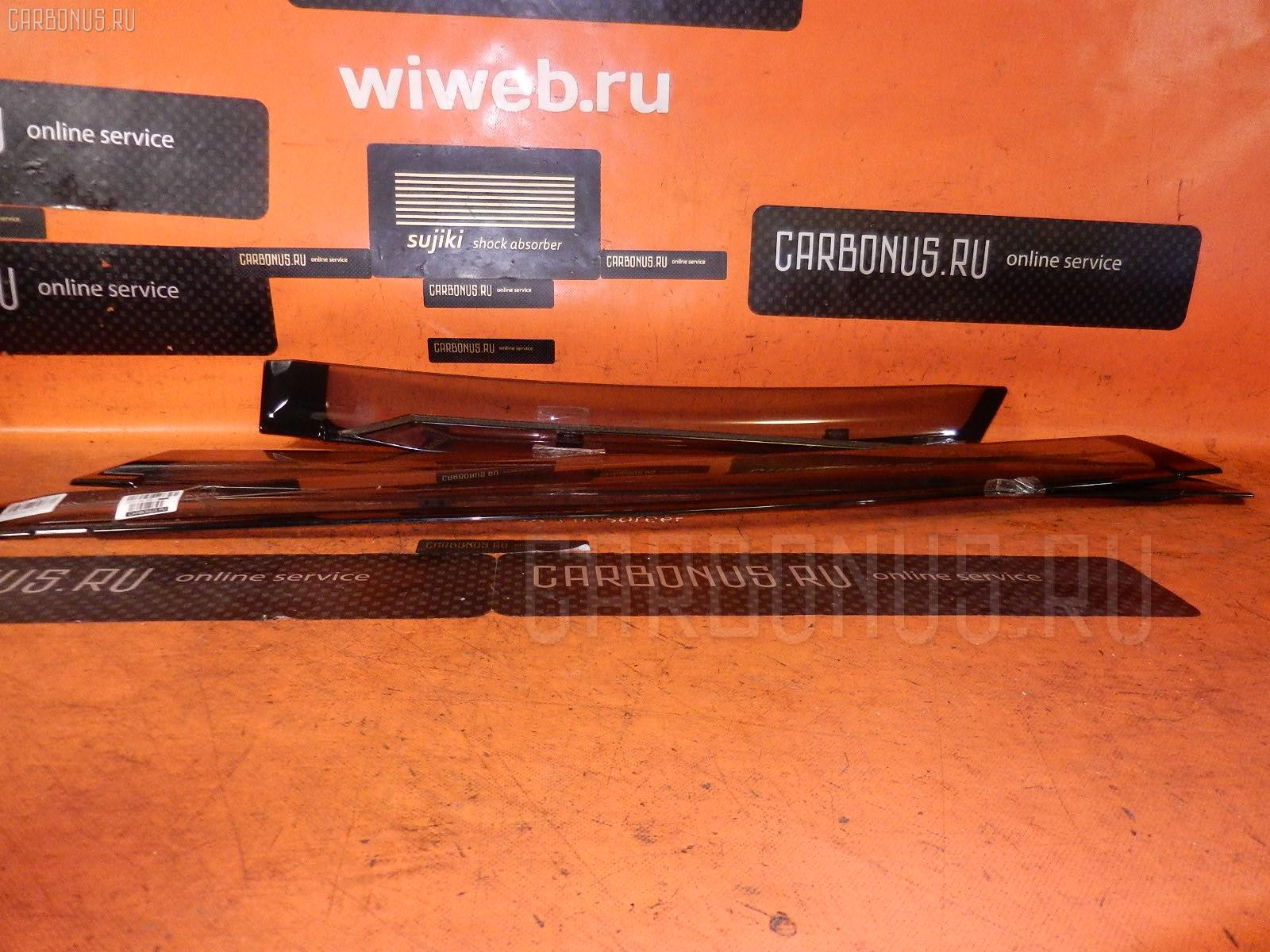 Ветровик TOYOTA PRIUS ZVW30 Фото 1