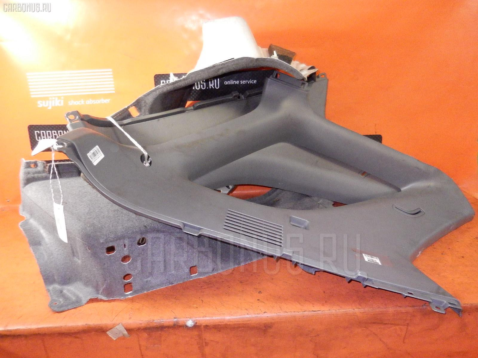 Обшивка багажника на Toyota Harrier MCU10W Фото 1